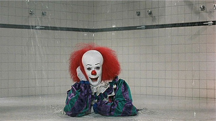 It-1990-Pennywise-shower